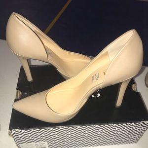 Shoes - Cream beautiful heels! / NEGOTIABLE